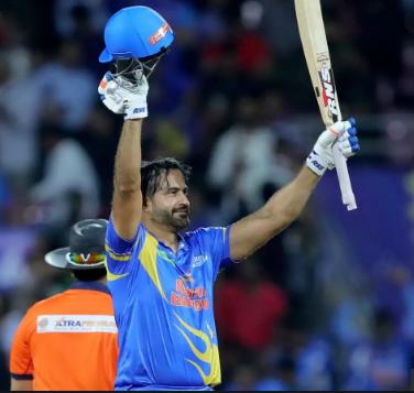 6 चौके और 3 छक्के लगा इरफ़ान पठान ने रोड सेफ्टी वर्ल्ड सीरीज में भारत को दिलाई श्रीलंका पर जीत 26