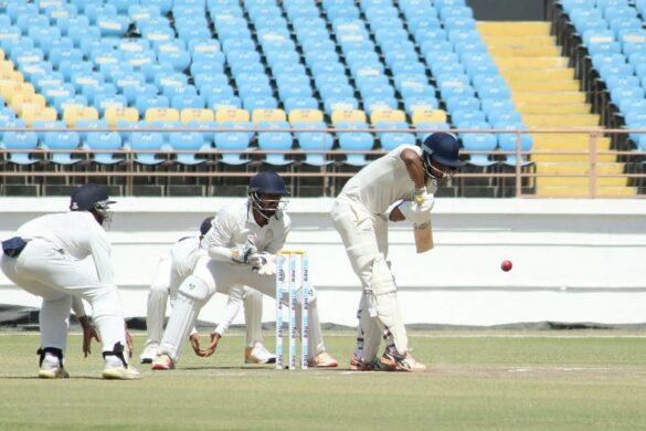 रणजी ट्रॉफी के फ़ाइनल मैच में चौथे दिन का खेल हुआ खत्म, रोमांचक मोड़ पर पहुंचा मैच 14