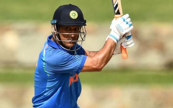 5 खिलाड़ी जिन्हें उनके ख़राब दौर में महेंद्र सिंह धोनी ने किया सपोर्ट 3